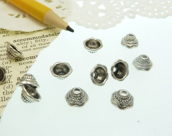 30 scalloped edged tibetan style antique silver bead caps