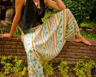 Thai  Pants in Cotton, Batik, Pastel Colors in Paisley Design by amonchai