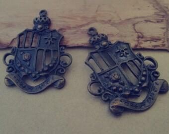 8pcs of Antique bronze shield Charms pendant  30mmx45mm