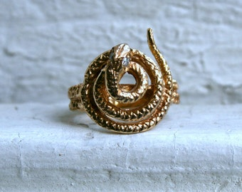 Vintage 14K Yellow Gold Snake Ring with Diamond Eyes.