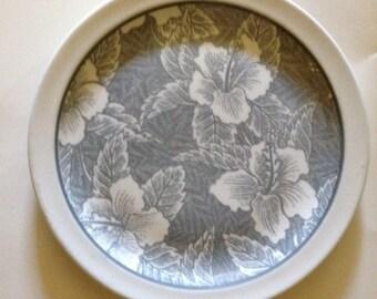 Gray hibiscus wallace china