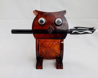 Plastic Owl Clip Amber Owl with Googly Eyes to Hold Your Pen or Cards
