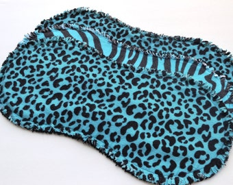 Baby burp cloth set of 3 : Flannel / Contoured / Baby burp cloths / Burpcloths / burprags / Safari / Zebra / Cheetah / Animal prints