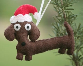 Super Cute  Dachsund Wiener Dog with Santa Hat Ornament