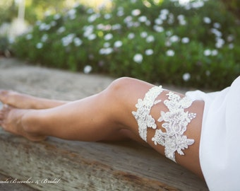 White Lace Garter Set, Wedding Garter Set, Flower Garter Set, Pearls and Sequins Garter, Bridal Garter, Ivory Flower Lace Bridal Garter Set