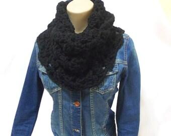 Black Chunky scarf, Eternity Scarf, Black, Crochet Infinity Scarf, Cowl, Neck warmer, Wrap cowl, Loop scarf, Women's scarf, Bulky
