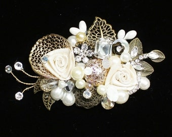 Gold and Ivory Hair comb- Vintage Inspired Hairclip- Wedding Hairpiece- Pearl Hair Comb- Gold Hairpiece- Bridal Hair Accessories-Bridal Comb
