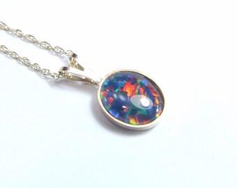 Opal (Australian Harlequin 'Triplet' Opal), 10mm x 8mm x 1.60 Carat, Oval Triplet, 14 Karat Solid Gold Pendant Necklace