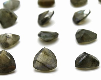 GCF-1217 - Labradorite Faceted Gemstone - Trillion 10x10x10mm - Calibrated Gemstones - AA Quality - 1 Pc