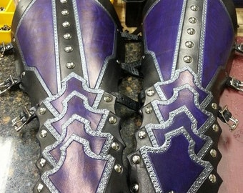 Leather Armor Ornate Gauntlets