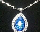 Royal blue pendent necklace