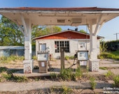 Abandoned gas station in Haddam, Kansas