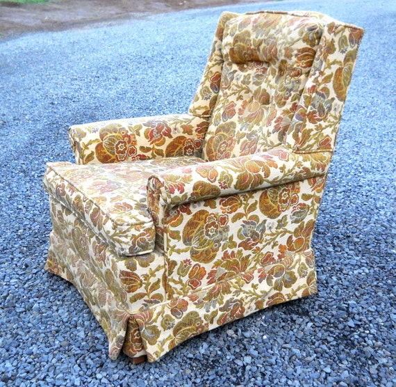 Vintage 1970s Ethan Allen Tapestry Wingback Camelback Arm