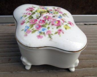 Sale - Ornate trinket box, vintage white porcelain ring box, ornate floral footed box, hand painted pink flowers, made in Japan, 50s