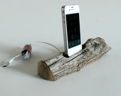 Driftwood Docking Station For a Smart Phone