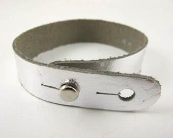 "Metallic Silver Leather Stud Bracelet 5/8"" Wide"