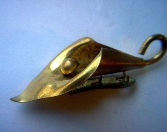 Vintage Calla Lily Shoe Clip    # ZZ 17