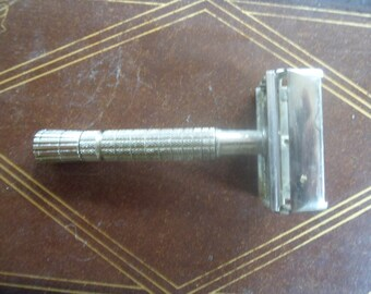 Vintage Gillette Double Edge Safety Razor  ( T )