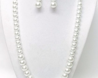 White Glass Pearl in Mixed Sizes Necklace & Earrings Set