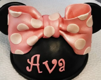 Edible MINNIE MOUSE bow, hat, ears gum paste/fondant / cake decoration or cake topper / Disney inspired