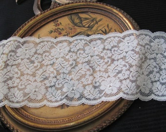 Vintage Extra Wide Off White STRETCH Floral Lace  - 5.5 Inches Wide - 2 Yards Total #25L Spool