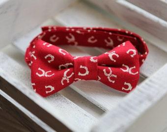 Horseshoe Bow Tie Red and Cream )
