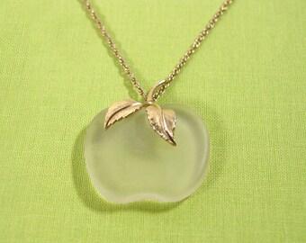 "Avon ""Crystal Apple"" Pendant Necklace Gold Tone - Vintage 1978"