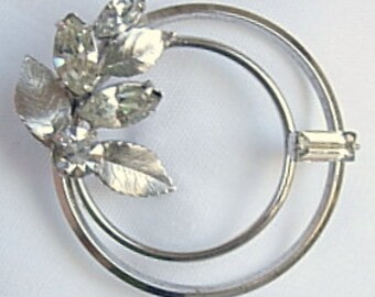 Vintage Signed Krementz Silver Tone Metal Clear Rhinestones Round Circular Circles Brooch Pin Etched Leaf Leaves Baguette Marquise Cut