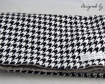 BLANKET: Black and White Houndstooth Blanket with Gray Bubble Minky Backing