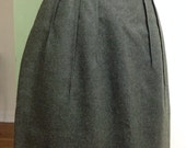 Olive Style / Vintage High Waisted Pencil Skirt / Small