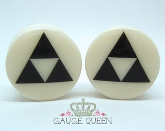 "Triforce Plugs / Gauges. 4g /5mm, 2g /6.5mm, 0g /8mm, 00g /10mm, 1/2"" /12.5mm, 9/16"" /14mm, 5/8"" /16mm, 3/4"" /19mm, 7/8"" /22mm, 1"" /25mm"