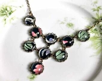 Vintage navy blue wallpaper bib necklace - 12mm