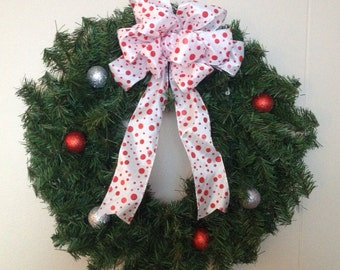 "20"" Red and White Pine Wreath with lights"