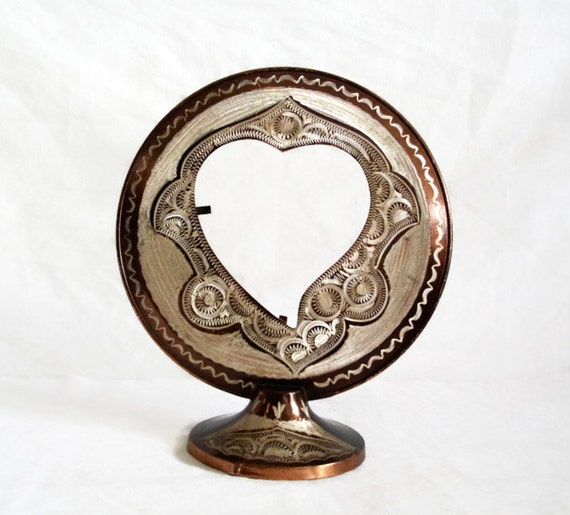 Eternal Love. Etched COPPER vintage PHOTO FRAME, Heart cutout, Handmade floral etching, folk art, display, Table shelf decor. Metal pedestal