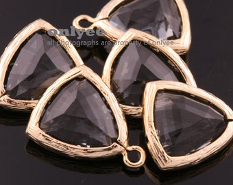 2pcs-17mmX12.5mm Gold Plated Brass with  Faceted Triangle Glass Pendant-Charcoal(M336G-I)
