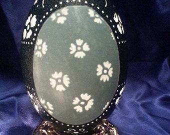 Carved Emu Egg: Vintage Flowers