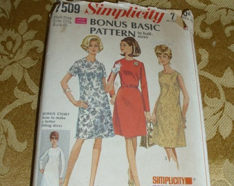 Simplicity 1967 Dress Pattern 7509 Bonus Basic Pattern in Half-Sizes 10 1/2 - 24 1/2  Personal Fit