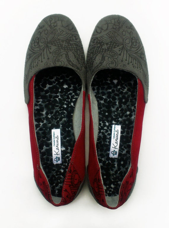 Vegan Shoes - Handmade Vegan Ballet Flats - Earth Friendly - Red and Grey - SIZE EU 36 to 44 - Hand Printed - Recycled Tire Soles -