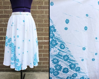 White Blue Flower Print Knee Length 1970s Skirt Flowy Summer Spring Pretty