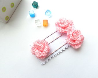 Crochet hair accessories, Set of 3 pce. pink baby bobby pins, bobby pins with crochet flower, hair clip with flower, flower bobby pins