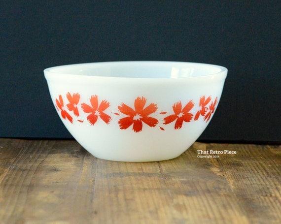 Agee/Crown Pyrex: mixing bowl
