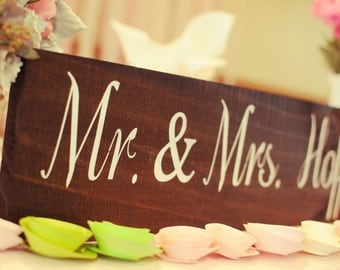 Mr and Mrs Table Sign / WEDDING SIGNS, Wedding Signage, Rustic Wedding Signs, Head Table Sign WS-17