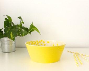 Medium Yellow ceramic bowl Organic degradé decorations Wheel thrown pottery - Ready to ship