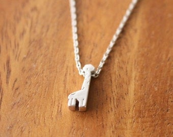 Giraffe necklace // silver