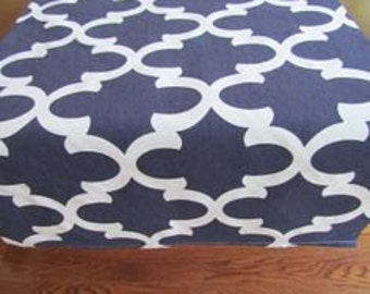 Navy table runner, navy fynn, wedding tables