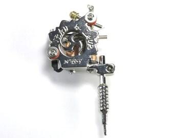 Tattoo Gun Pendant, 78mm, Tattoo artist tool, Body Art Charm, Mini Tattoo Gun Charm, ENA042