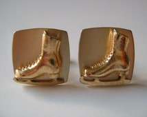 Vintage ANSON Gold Tone Metal Pair of Ice Skating Shoes Sports Cufflinks This Is Really Cool and Super Fun Looking Cuff Links Men's Jewelry
