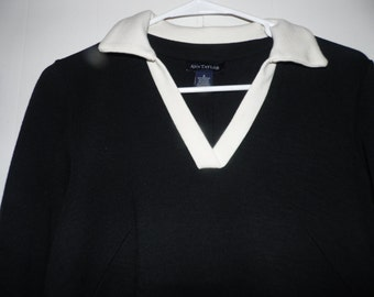 Vintage Ann Taylor Dress, Size 2, Black & White Knit, V-neck, Mid Length