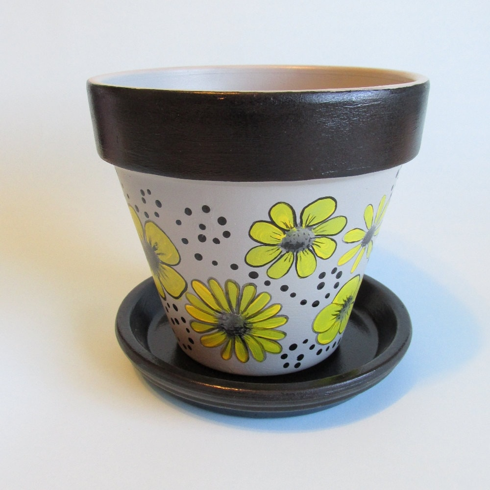flower pot hand painted grey background yellow flowers. Black Bedroom Furniture Sets. Home Design Ideas