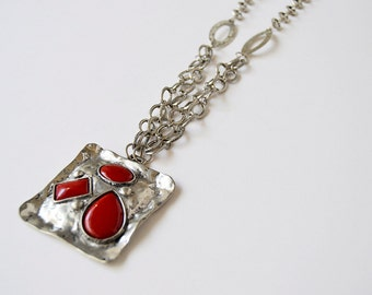 square necklace with red stones